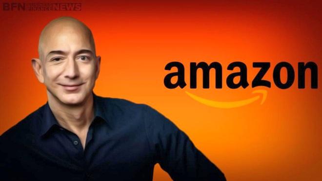 Jeff Bezos vượt Bill Gates
