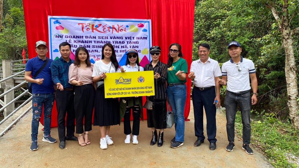 Lễ khánh thành trao tặng cầu dân sinh thôn Nà Tàn